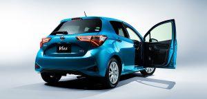 プリウスとヴィッツを燃費・価格・値引き価格で比較   車の比較なら車 ...